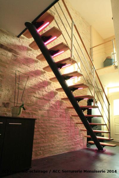 Deco led eclairage id es d co pour les escaliers - Idee deco sous escalier ...