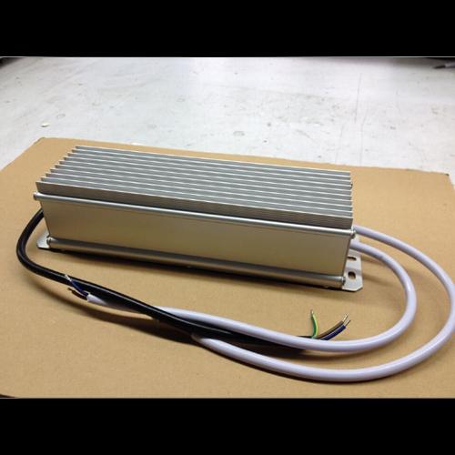 alimentation etanche IP67 12V 12A