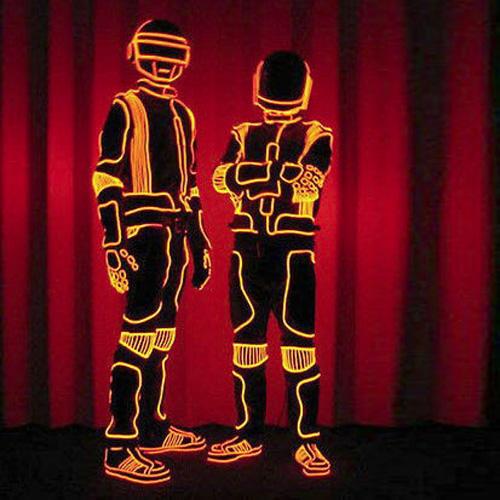 fil lumineux costumes futuristes