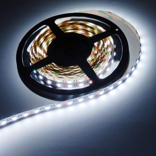ruban led rgb blanc chaud 60 leds m 4 en 1 deco led eclairage. Black Bedroom Furniture Sets. Home Design Ideas