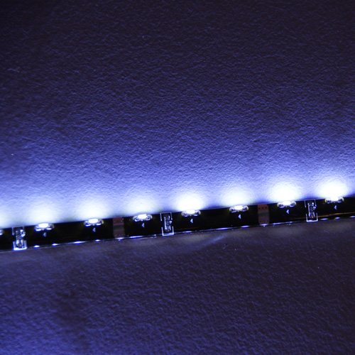 ruban led lateral noir blanc froid 60 pic2