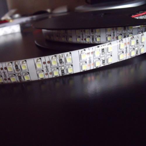 strip led 240leds super bright blanc naturel pic2