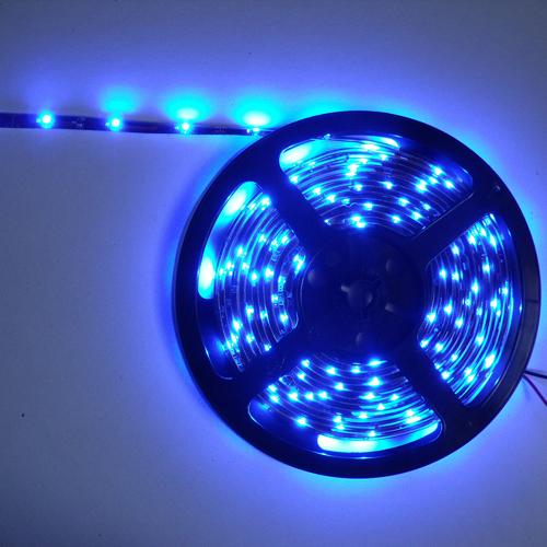 ruban led economique smd 3528 tanche 30 leds m bleu deco led eclairage. Black Bedroom Furniture Sets. Home Design Ideas