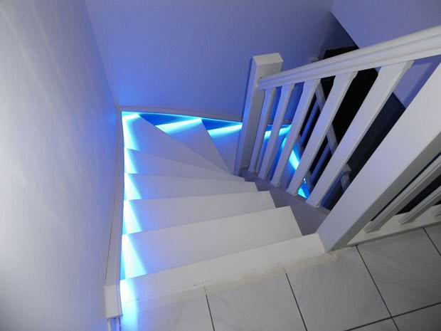 Eclairer un escalier top with eclairer un escalier slv - Eclairage marche escalier ...